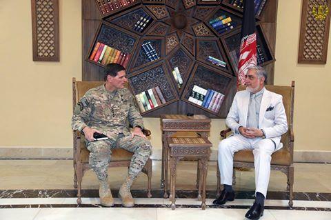 رییس اجراییه با فرمانده ستاد مرکزی ارتش ایالات متحده آمریکا دیدارکرد.