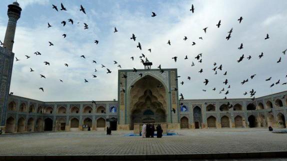باشگاه خبرنگاران -مسجد جمعه یا مسجد جامع یادگار سلجوقیان در نصف جهان