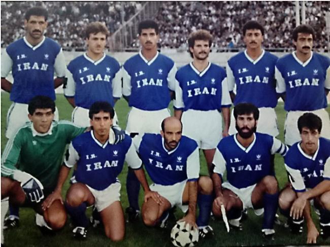لباس تیم فوتبال استقلال در گذر زمان