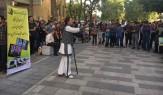 باشگاه خبرنگاران -اجرای نمایش نقالی دفاع مقدس در پیاده راه بوعلی همدان