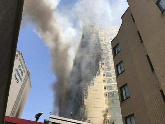 باشگاه خبرنگاران -جوشکاری علت آتشسوزی گسترده درمجموعه اقامتی خیابان امام رضا(ع)