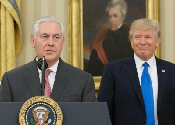 باشگاه خبرنگاران -واشنگتن اگزمینر: تیلرسون احتمالاً ترامپ را برای باقی نگهداشتن آمریکا در توافق هستهای فریب داده است