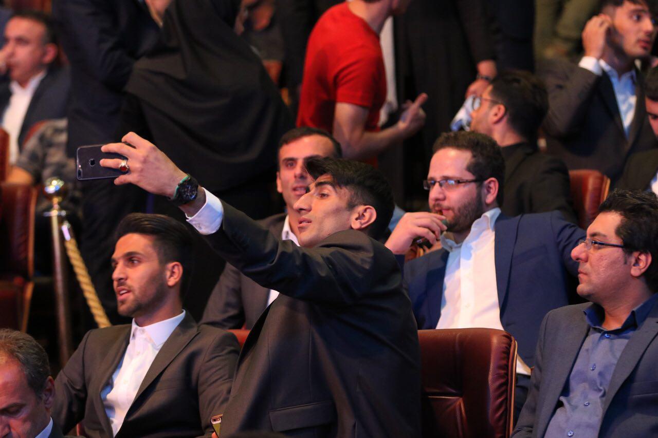 لحظه به لحظه با مراسم برترین های لیگ شانزدهم فوتبال + تصاویر