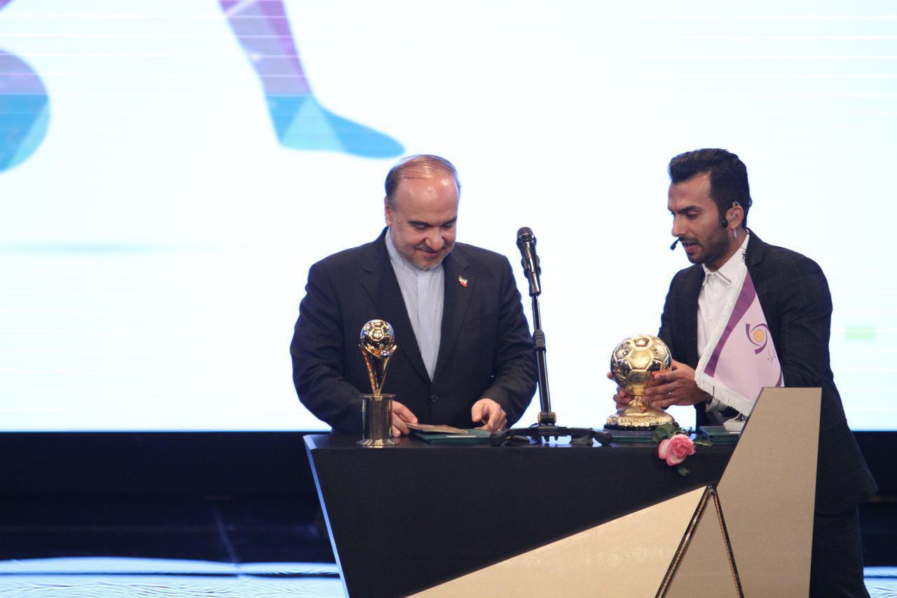 طارمی بهترین بازیکن لیگ شانزدهم شد/ پرسپولیس و برانکو برترین باشگاه و سرمربی فصل شدند