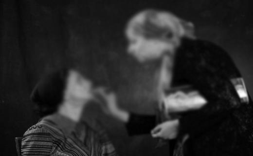 ترویج پوشش غرب گرایی در صحنه تئاتر + تصاویر