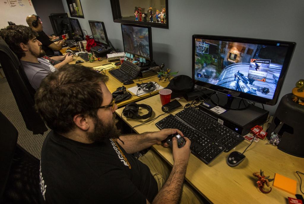 فرصت های شغلی و کسب درآمد در صنعت بازیهای رایانهای چگونه است؟