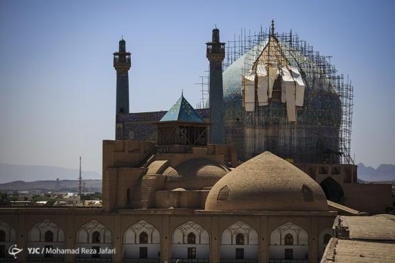 باشگاه خبرنگاران -مرمت 14 بنای تاریخی در میدان نقش جهان انجام شد/ بازسازی کاشیهای تخریب شده گنبد مسجد امام