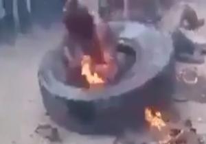 آتش زدن یک مسلمان روهینگیا توسط بوداییان+فیلم