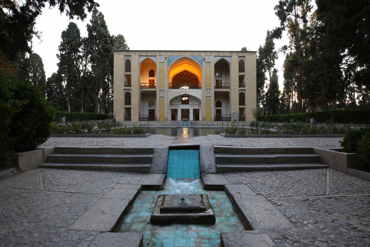 باغ های ایرانی تمثیل بهشت بر روی زمین/ باغ فین کاشان عروس باغ های ایرانی