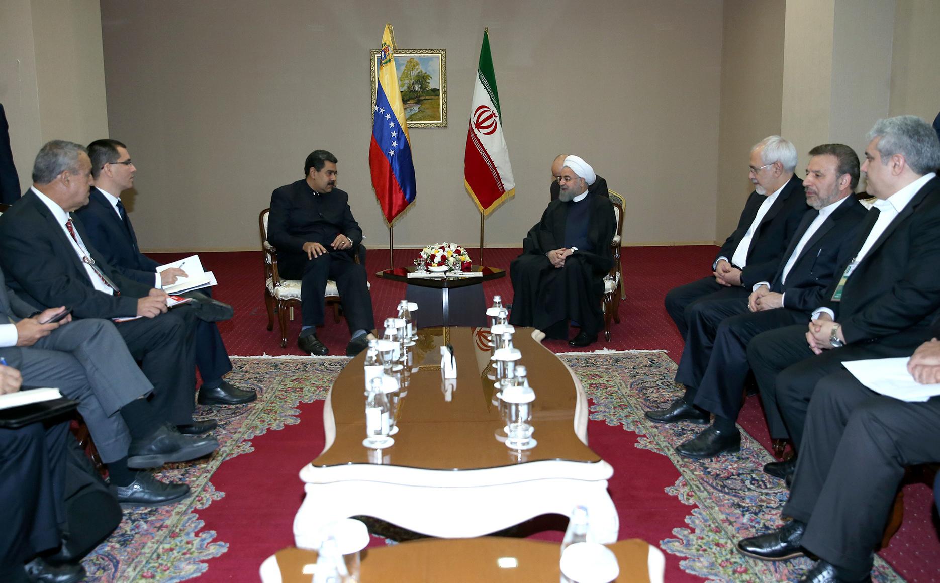 تداوم رایزنی میان کشورهای صادرکننده نفت ضروری است/تاکید بر توسعه روابط تهران – کاراکاس و برگزاری کمیسیون مشترک