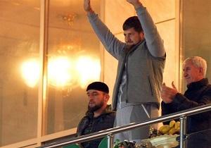 مرسدس بنزهای رئیس جمهور چچن برای همتیمیهای میلاد محمدی + عکس
