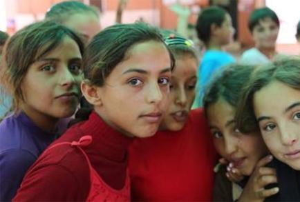 فروش دختران آواره سوری به مردان مُسن در ترکیه!
