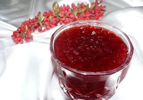 میوه ای معجزه گر که به تنهایی درمان می کند/ طلسم بیماری های شایع با مصرف زرشک!