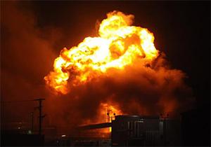 لحظه انفجار تانکر سوخت در پمپ گاز + فیلم