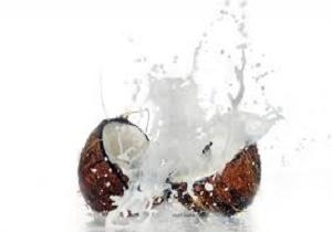 آب نارگیل را صبحها ناشتا بنوشید و بدنتان را اینگونه شگفت زده کنید!