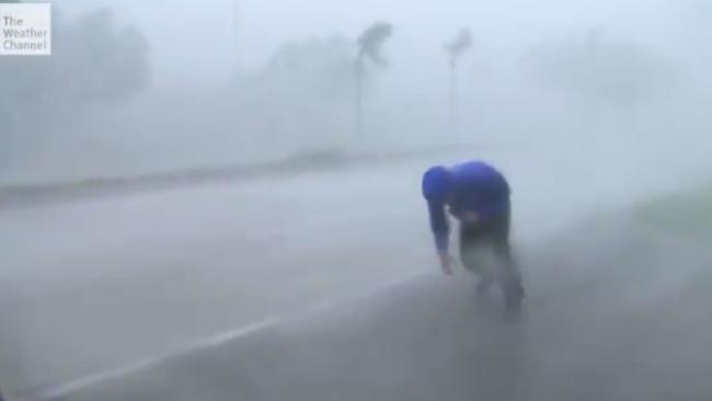 گزارش زنده وضعیت آب و هوا در دل توفان ایرما+ فیلم