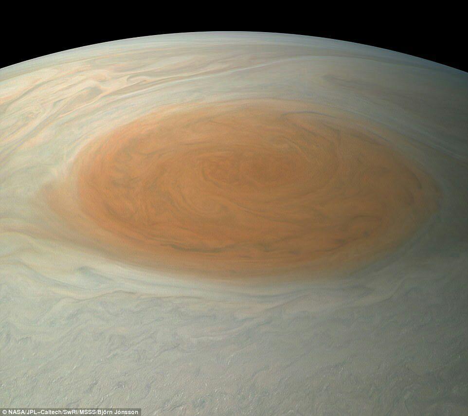 جدیدترین تصاویر ارسالی کاوشگر جونو از سیاره غول پیکر مشتری+ تصاویر