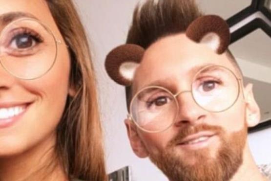 سلفی های عجیب بازیکن مشهور فوتبال و همسرش