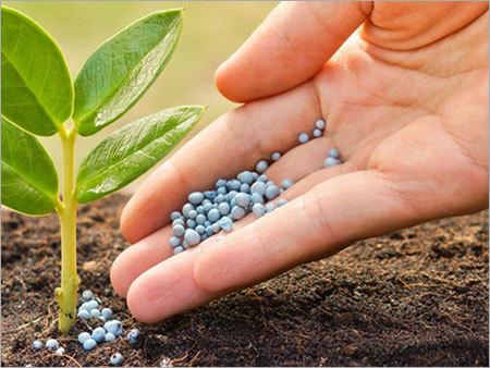 توزیع 900 هزارتن نهاده با کیفیت به کشاورزان