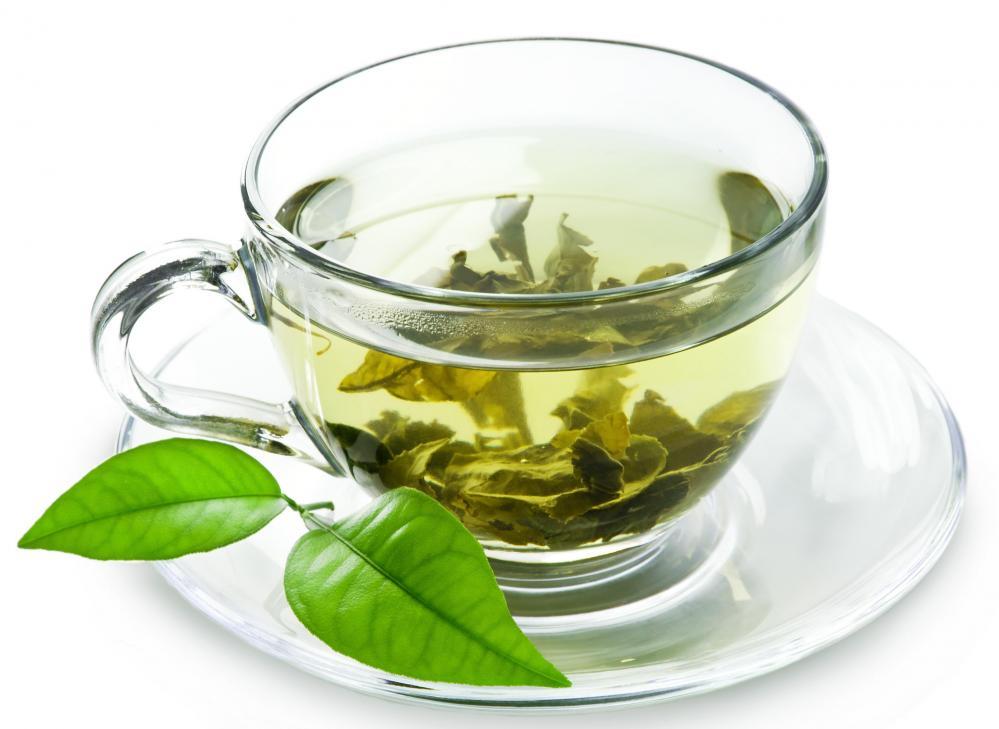 برای کاهش وزن آب بنوشید/ قلب خود را با این گیاه حفظ کنید/ آسم را با این نکات از خود دور کنید/ نوشیدنی که باعث بی نظمی خوابتان می شود