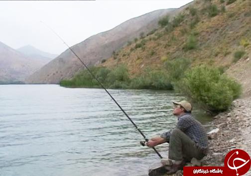 دریاچه گهر نگینی آبی زاگرس در دل کوه های اشترانکوه