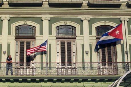 سناتورهای آمریکایی خواستار اقدام کاخ سفید درباره حملات صوتی در کوبا شدند