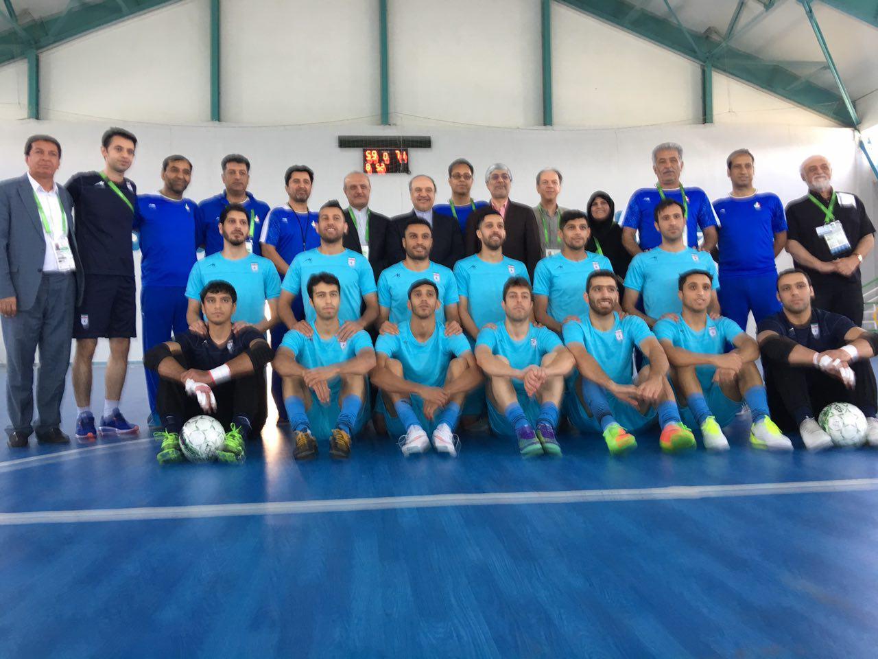 بازدید مسئولان ورزش کشورمان از تمرین تیم ملی فوتسال