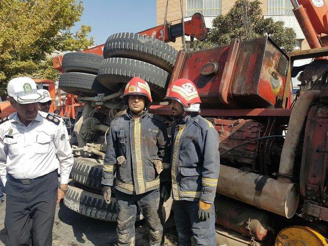 واژگونی کامیون 5 همدانی را رهی بیمارستان کرد