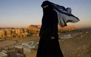 دستگیری زن داعشی ناکام در عملیات انتحاری+فیلم