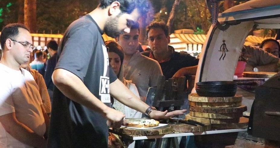 شب های شانزلیزه را در تهران تجربه کنید/ یک گردش شبانه خوشمزه در قلب تاریخی پایتخت