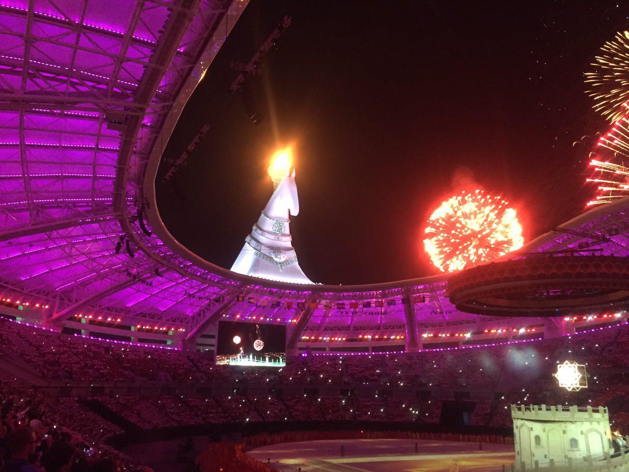 مراسم افتتاحیه بازی های آسیایی داخل سالن + تصاویر