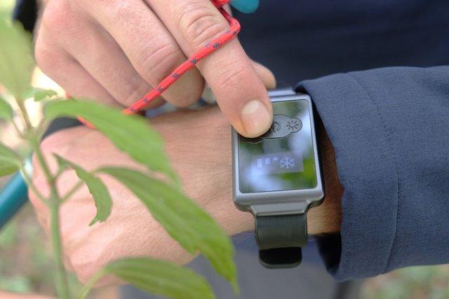 ساعتی که با خنک کردن مچ دست تمام بدن را خنک میکند+تصاویر
