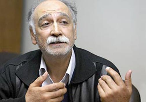 هنرمند کازرونی از ۵۰ سال بازیگری در تئاتر، سینما و تلویزیون میگوید