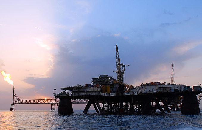 برخورد شدید بانک مرکزی با شعب متخلف در زمینه کاهش سود سپرده/ تغییر استراتژی توسعه میدان های نفتی
