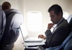 باشگاه خبرنگاران - مدیرانی که با هواپیما در محل کار خود حاضر میشوند + فیلم