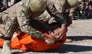 داعش خائنان این گروه تروریستی را سر برید+فیلم