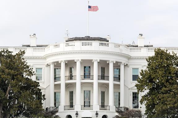 فارن پالیسی: کاخ سفید در صدد آزاد کردن آمریکاییهای بازداشتشده در ایران است