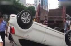 باشگاه خبرنگاران - واژگون شدن خودروی لوکس در 3 ثانیه! + فیلم