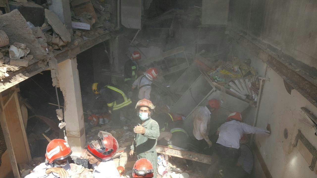 انفجار در واحد اقامتی مقابل حرم حضرت معصومه (س) + تصاویر و فیلم