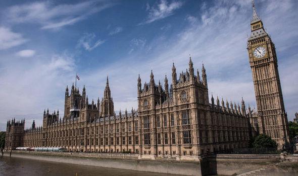 حمله تروریستی محرمانه پلیس انگلیس به پارلمان از ضعف های امنیتی بسیار آن برداشت!