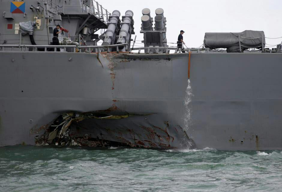 نیروی دریایی آمریکا اجساد تمام ملوانان ناپدیدشده را از آب بیرون کشید+ تصاویر