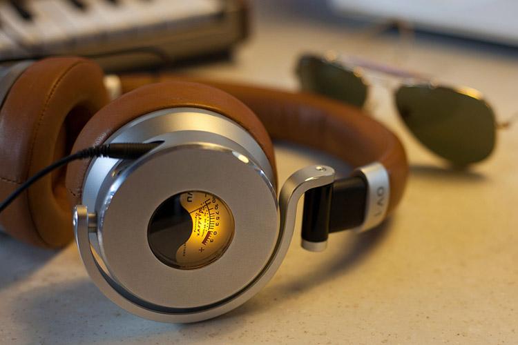 رهایی از استرس محیط کار به کمک موسیقی های خاص