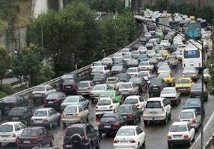 ترافیک در آزاد راه کرج- تهران سنگین است/بارش باران در محور های مواصلاتی استان مازندران