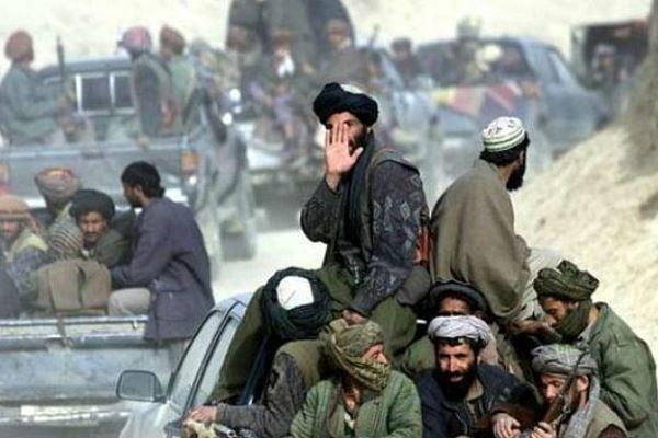 بمباران مواضع طالبان در ولایت ارزگان توسط نیروهای خارجی