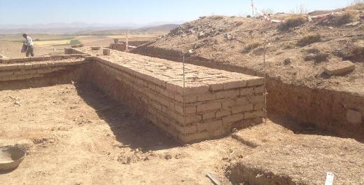 عملیات حفاظت از ساختارهای معماری محوطه تل تخت در پاسارگاد آغاز شد