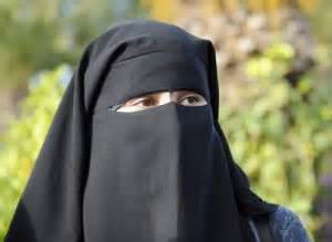 واکنش جالب دختر سعودی به لغو ممنوعیت رانندگی +فیلم