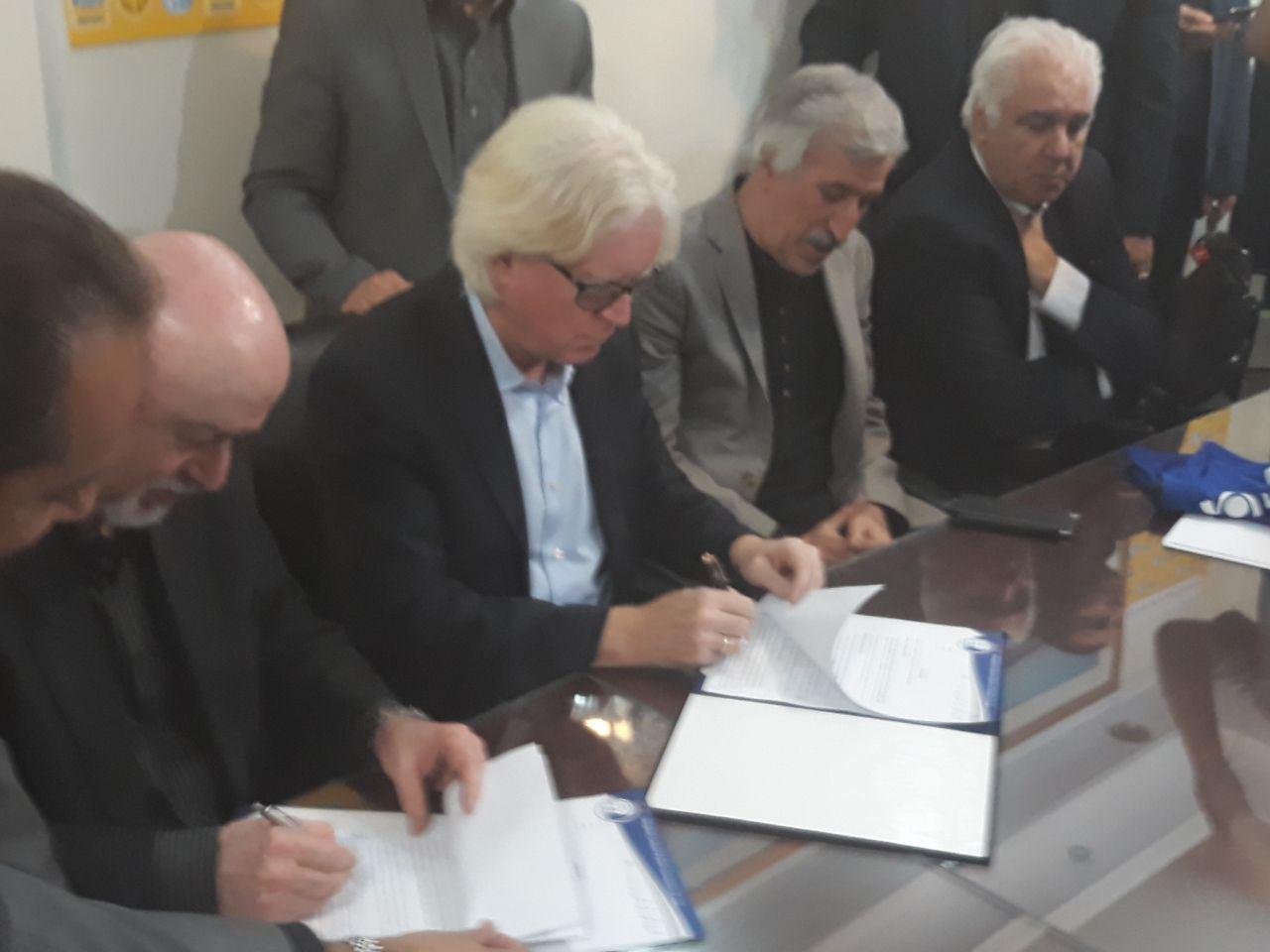 قرارداد وینفرد شفر با استقلال امضا شد + عکس