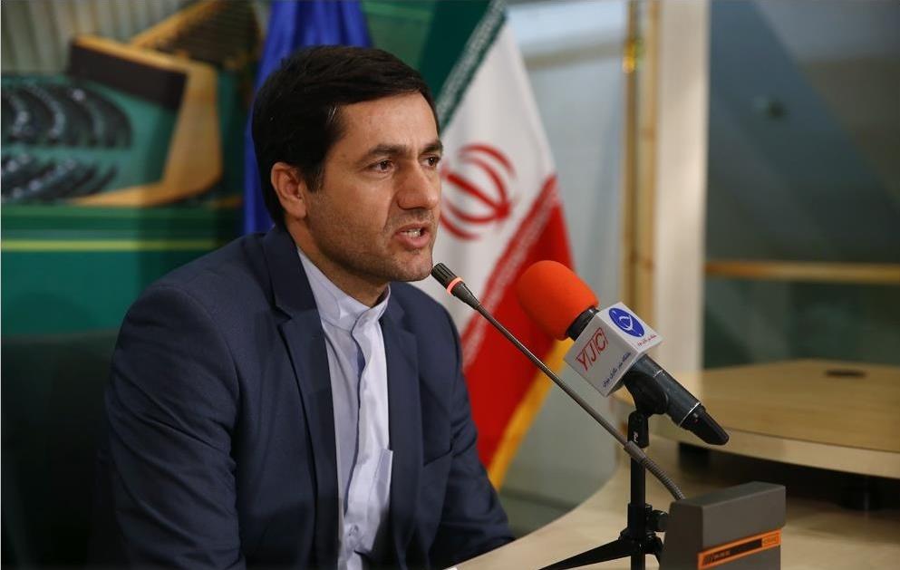 6848786 952 - از دیدار خانواده شهید حججی با رهبر انقلاب تلا نامه وکیل احمدی نژاد به نمایندگان مجلس