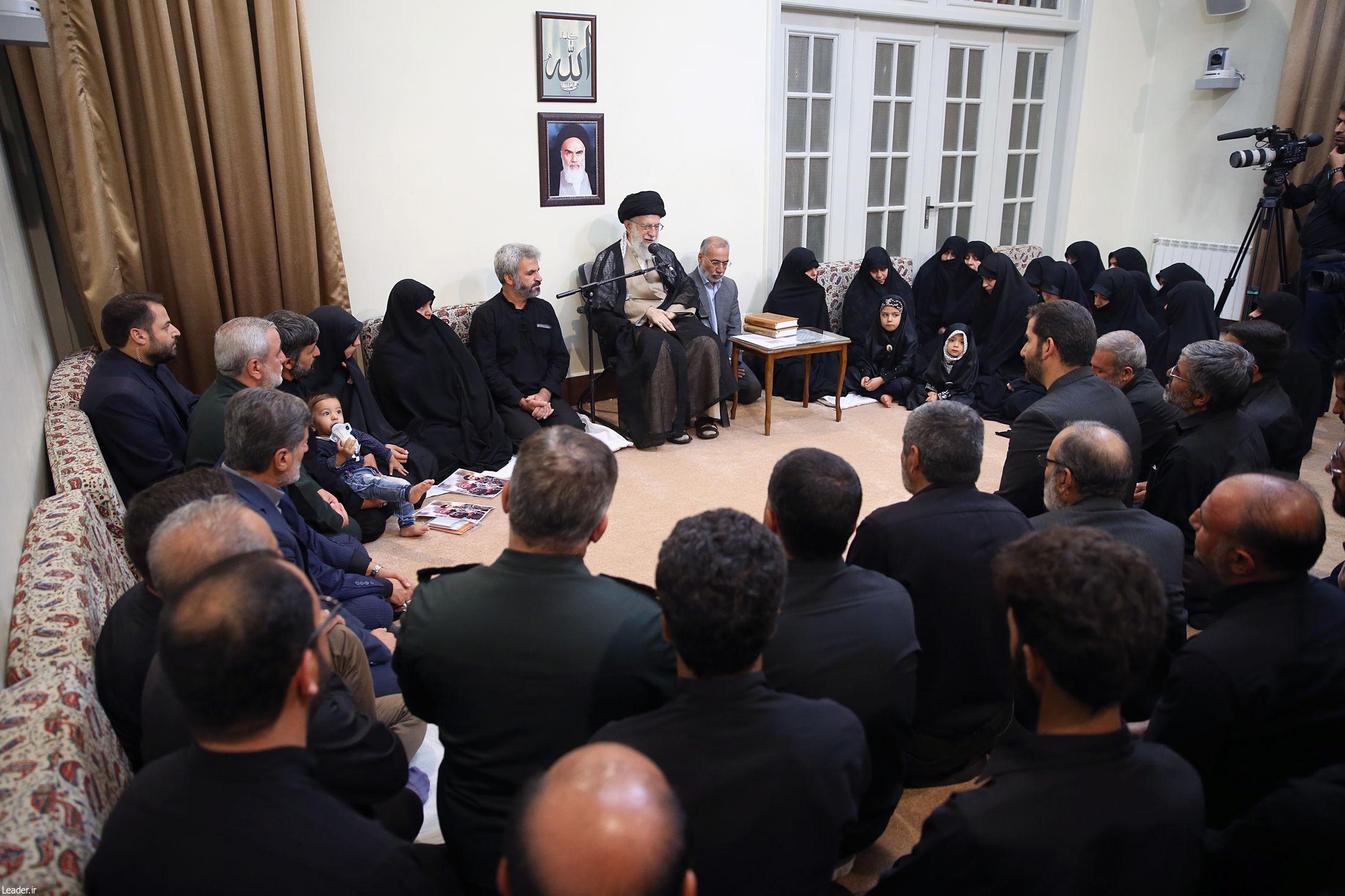 6848787 548 - از دیدار خانواده شهید حججی با رهبر انقلاب تلا نامه وکیل احمدی نژاد به نمایندگان مجلس