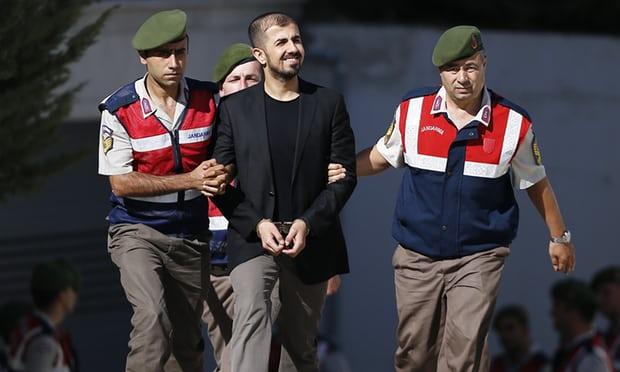محکومیت 40 نظامی ترکیهای به حبس ابد، به اتهام تلاش برای ترور اردوغان